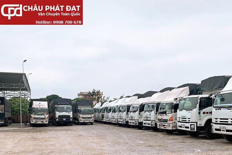 Đội xe vận chuyển hàng Sài Gòn Hà Nội